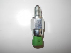 CONNECTEUR F065818